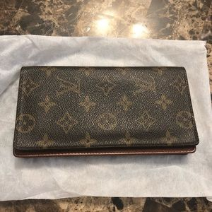Louis Vuitton Wallet or Credit Card and bills only